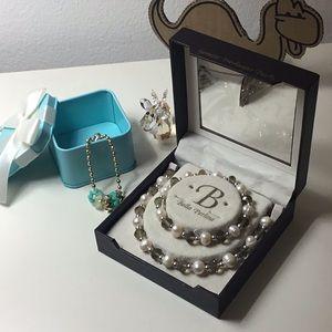 Bella Perlina Pearl Necklace Bracelet set